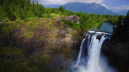Salish Lodge and Spa in Snoqualmie, Washington, USA, was used in the filming of Twin Peaks.