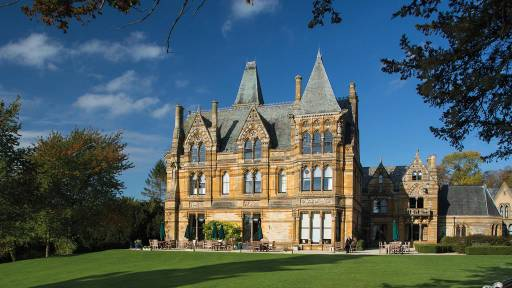 Ettington Park Hotel in Alderminster, UK, was used in the filming of The Haunting.